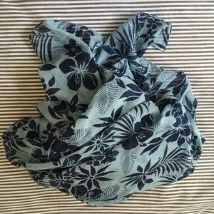 NWOT Featherweight French Floral Cotton Wrap 45x70